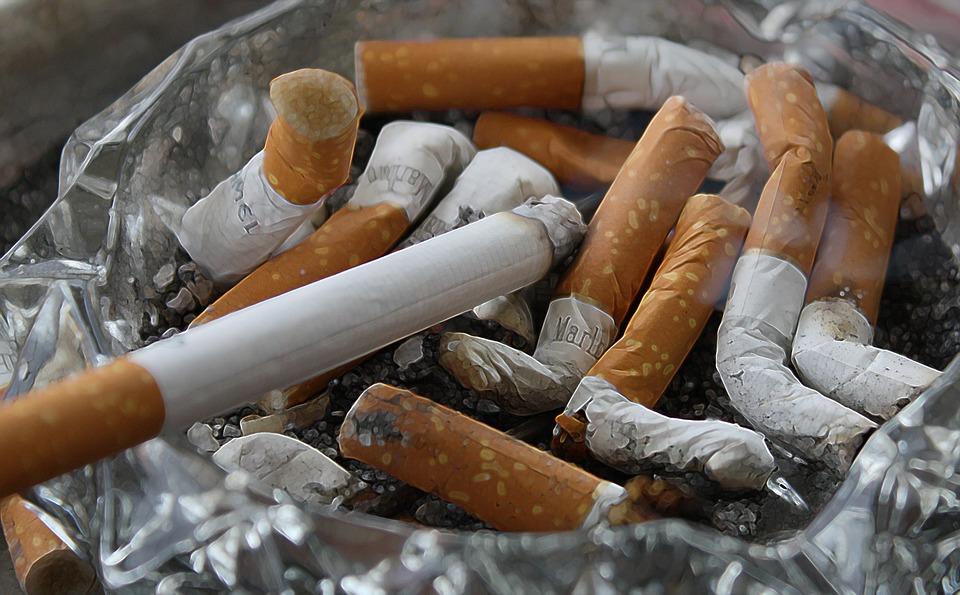 cigarettes-83571_960_720